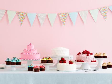 fn_opener-everyday-celebrations-cakes_s4x3-jpg-rend-hgtvcom-966-725