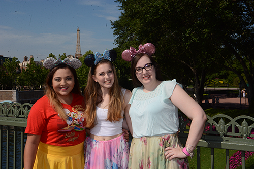 PhotoPass_Visiting_EPCOT_8040932421.png