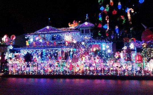 hawaii-waikele-neighborhood-lights1215